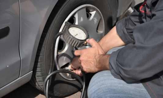mecanicien, entretien pneumatiques